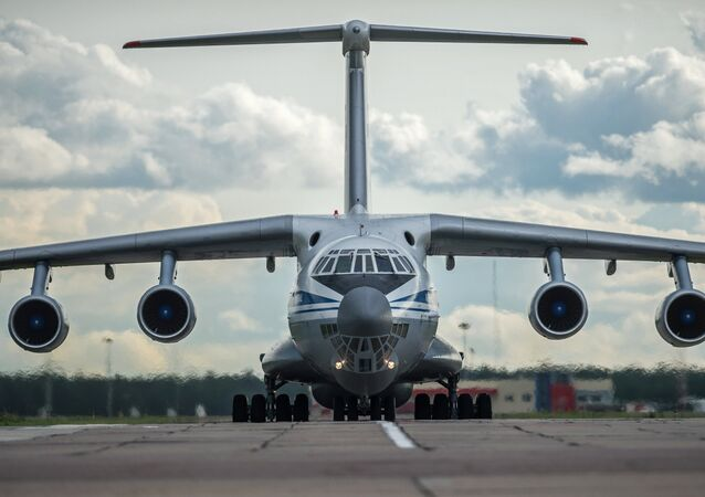Il-76 military transport plane