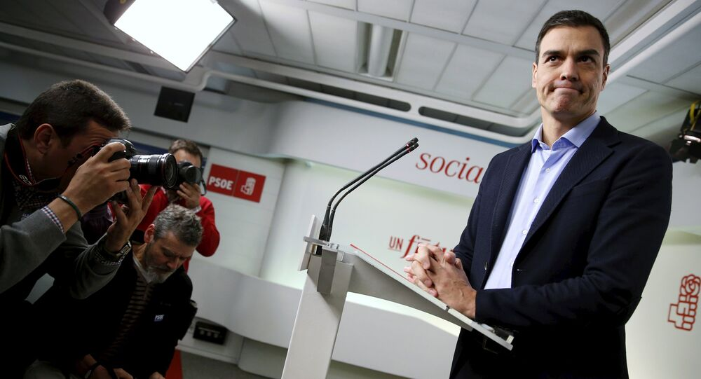 Spain's Socialist Party (PSOE) leader Pedro Sanchez gestures at the start of a news conference after his party's executive committee meeting in Madrid, Spain, January 11, 2016
