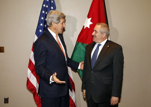 US Secretary of State John Kerry(L), meets with Jordanian Foreign Minister Nasser Judeh at United Nations headquarters (File)
