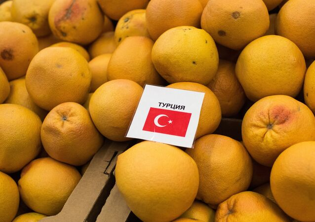 Russia bans imports of fruits, vegetables from Turkey