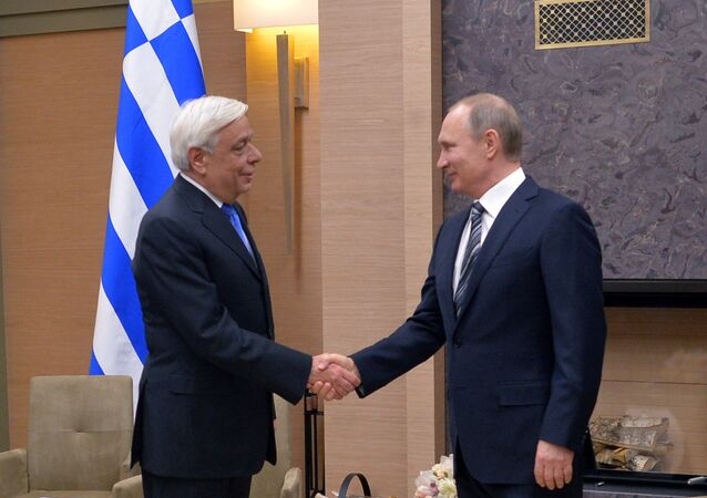'It's Your Turn': Greek President Invites Putin to Visit Athens in 2016