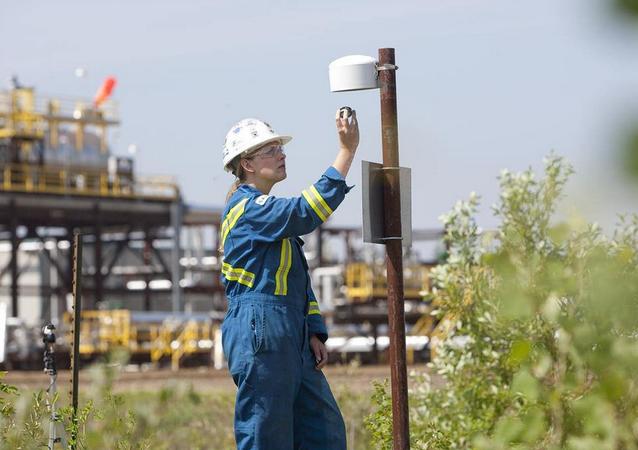 Air monitoring at Nexen's Long Lake facility