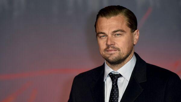 Actor Leonardo DiCaprio poses as he arrives for the British premiere of The Revenant, in London, Britain January 14, 2016 - Sputnik International