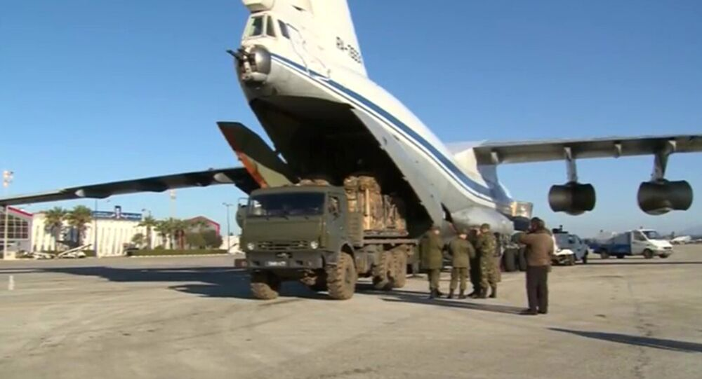 Humanitarian cargo loaded into a transport aircraft for the city of Deir ez-Zor