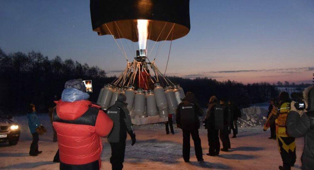 Russian aviation enthusiast Fedor Konyukhov and expert hot air balloon pilot Ivan Menyaylo