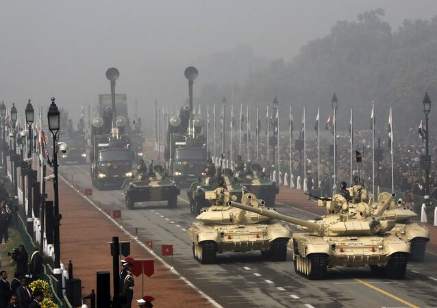 Indian Army's T-90 Bhishma tanks (front) are driving during the Republic Day parade in New Delhi, India, January 26, 2016