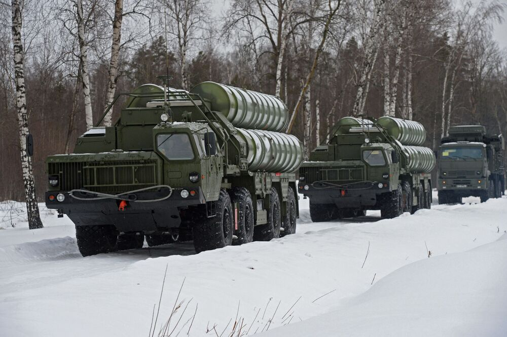Ultimate Protector: S-400 Triumf Air Defense Systems Shield Moscow Skies