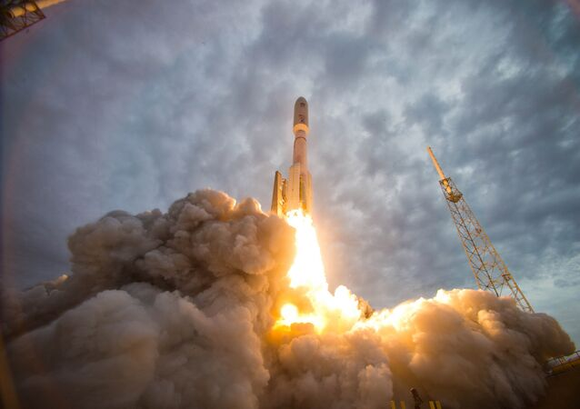 An Atlas V rocket launches the Navy's Mobile User Objective System (MUOS) 2 satellite from Space Launch Complex-41 at Cape Canaveral Air Force Station