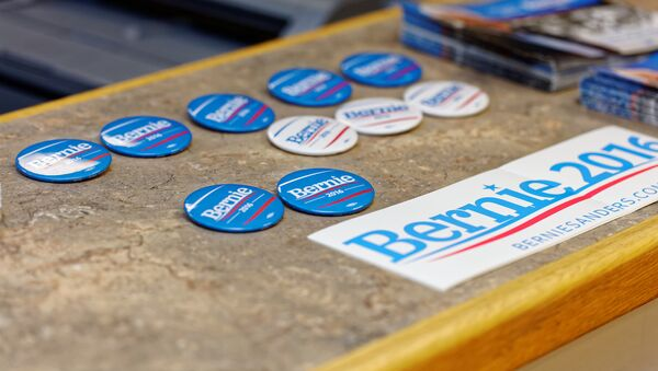 Rights Group Slams US University for Ban on Students Campaigning for Bernie - Sputnik International
