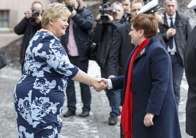 Norway's Prime Minister Erna Solberg (L) meets her Polish counterpart Beata Szydlo in Oslo, Norway February 2, 2016