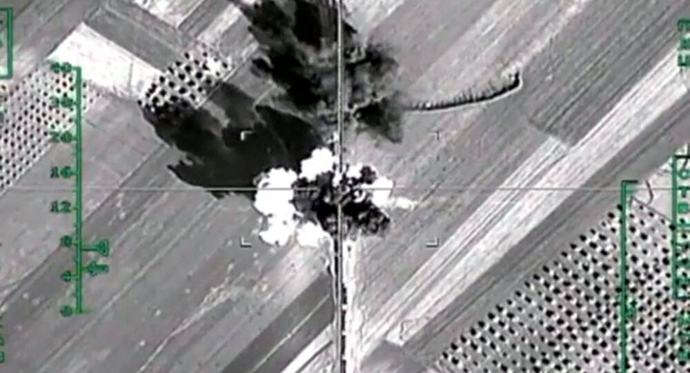 Russian warplanes destroy Daesh infrastructure in Syria