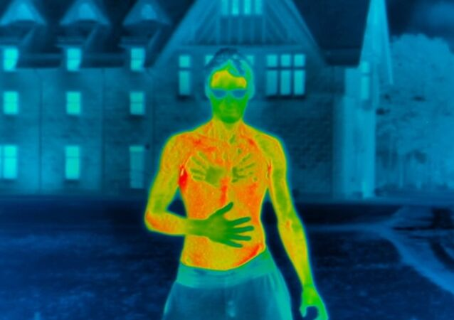 Shirtless Heat Loss Experiment In Freezing Conditions #Winterwatch - Earth Unplugged