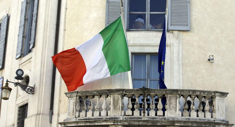 The Italian and European Union flags.