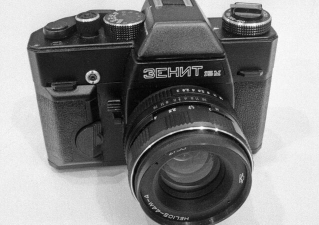 New Soviet 35-mm Zenit photo camera 15M at a wholesale fair of recreation and leisure goods. (File)