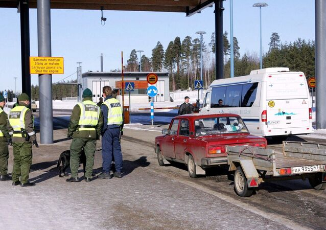 Picture taken 09 March 2005 shows a Russian registered car arriving at customs at the Pelkola international Border and Customs Station in Imatra, south-east Finland on the Finnish-Russian border