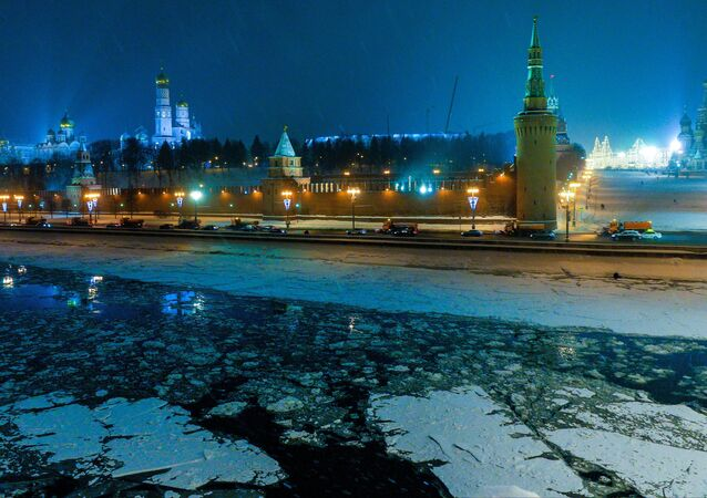 View of the Moscow Kremlin from the Big Moskvoretsky Bridge
