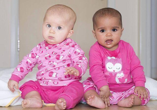 Twins Anaya and Myla