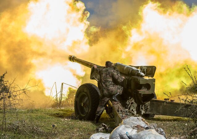 Syrian army artillery soldiers