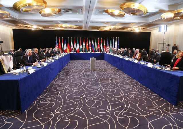 US Secretary of State John Kerry (C, 2nL), Russia's Foreign Minister Sergei Lavrov (C, L) lead the International Support Group for Syria (ISSG) meeting on February 11, 2016 in Munich southern Germany