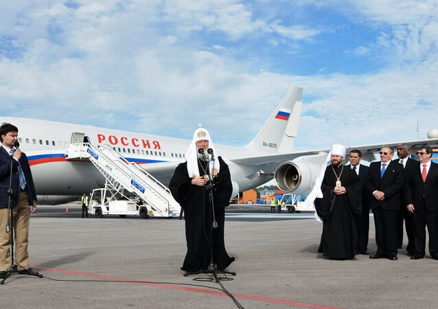 Patriarch of Moscow and All Russia Kirill (center) at Havana airport