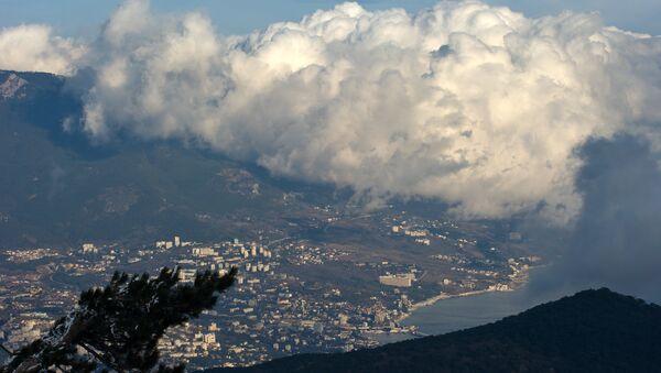 A view on Yalta from Mount Ai-Petri in Crimea. - Sputnik International