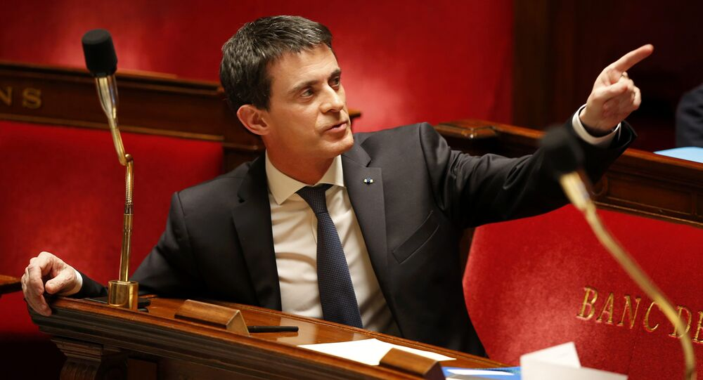 French Prime Minister Manuel Valls gestures before a vote on a constitutional reform bill that addresses the nationality question and would also make it easier to decree a state of emergency, at the National Assembly in Paris, France, February 10, 201