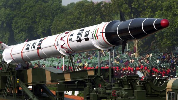 India's Agni II missile is seen in a rehearsal for the Republic Day Parade in New Delhi, India. - Sputnik International