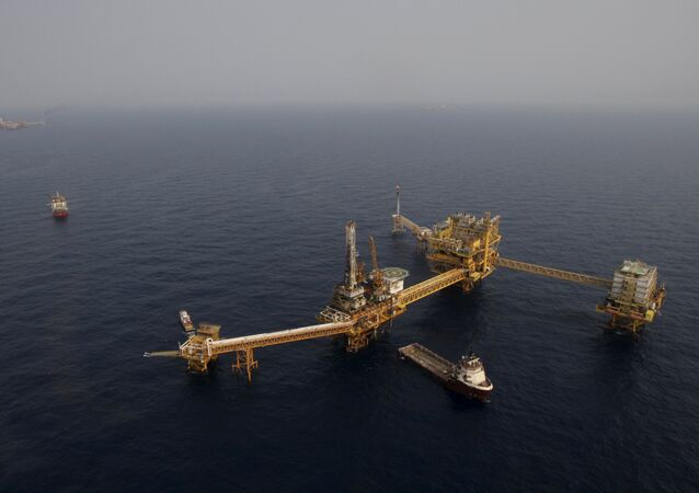 Mexico's state-run oil monopoly Pemex's platform Ku Maloob Zaap is seen in the Northeast Marine Region of Pemex Exploration and Production in the Bay of Campeche in this April 19, 2013 file photo
