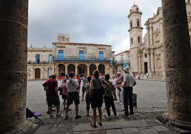 Tourists visit the Old Havana, on December 16, 2015