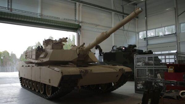 Marine tanks, equipment rolls out of Norwegian caves - Sputnik International