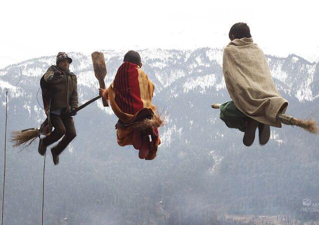 Catch That Snitch! Kids Play Quidditch in Indian Village