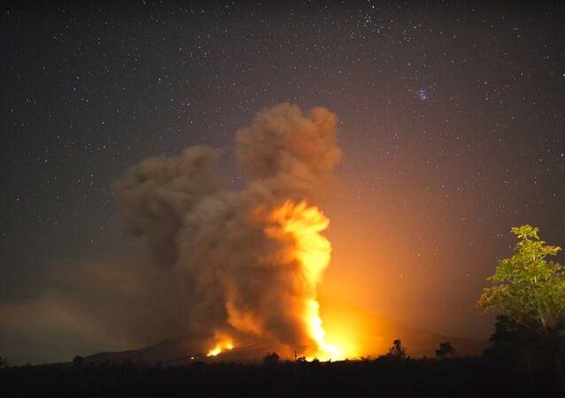 Sinabung volcano eruption.