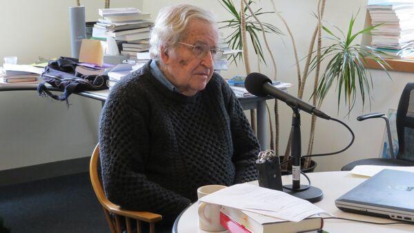 Noam Chomsky  - Sputnik International