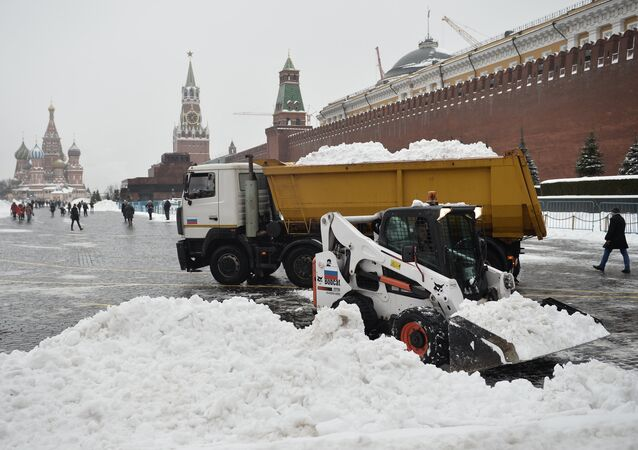 Spring, Welcome! Moscow Sees Heaviest Spring Snowstorm in Over 50 Years