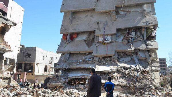 A ruined building in Cizre. - Sputnik International