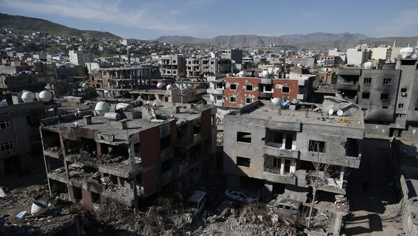Ruined houses and buildings are seen in Cizre, Turkey, Wednesday, March 2, 2016. - Sputnik International