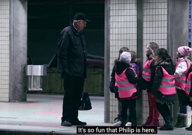 Swedish kids amuse man