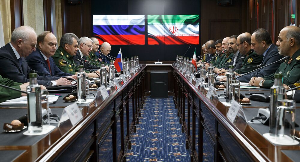 Russian Defense Minister Sergei Shoigu and Iranian Defense Minister Hossein Dehghan meet in Moscow
