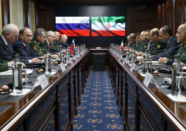 Russian Defense Minister Sergei Shoigu and Iranian Defense Minister Hossein Dehghan meet in Moscow