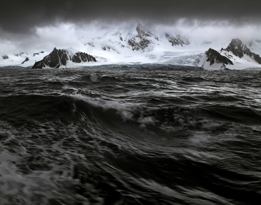 Heroic Saga of Antarctica: The Beauty of Emptiness and Cold