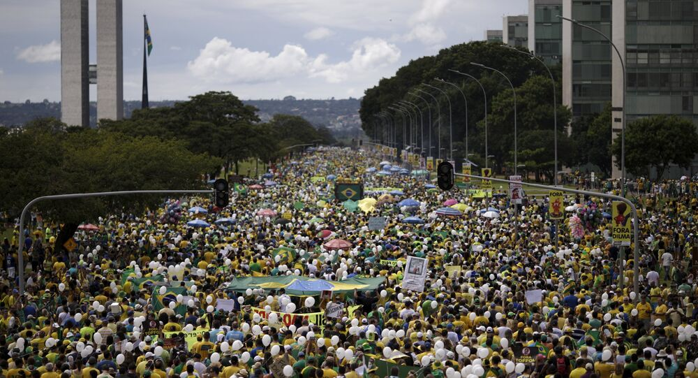 Demonstrators attend a protest against Brazil's President Dilma Rousseff, part of nationwide protests calling for her impeachment, near the Brazilian national congress in Brasilia, Brazil, March 13, 2016
