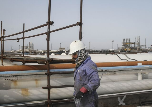 Iranian man works at an oil facility in the Khark Island (File)