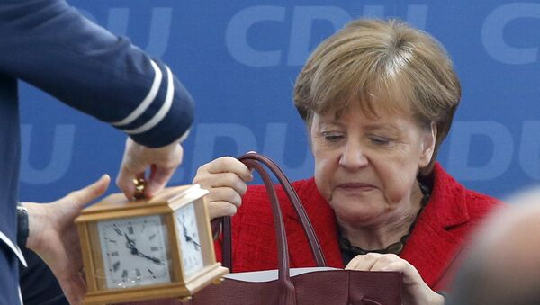 German Chancellor and leader of the Christian Democratic Union (CDU) Angela Merkel, attends a party board meeting in Berlin, Germany March 14, 2016. - Sputnik International