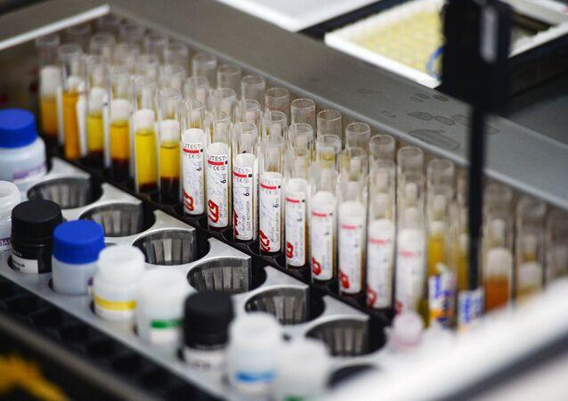 Immunoassay screening lab