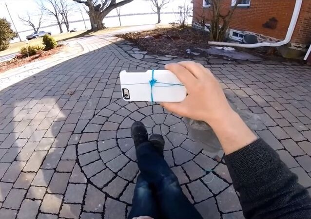 How to turn your phone into a 3D camera
