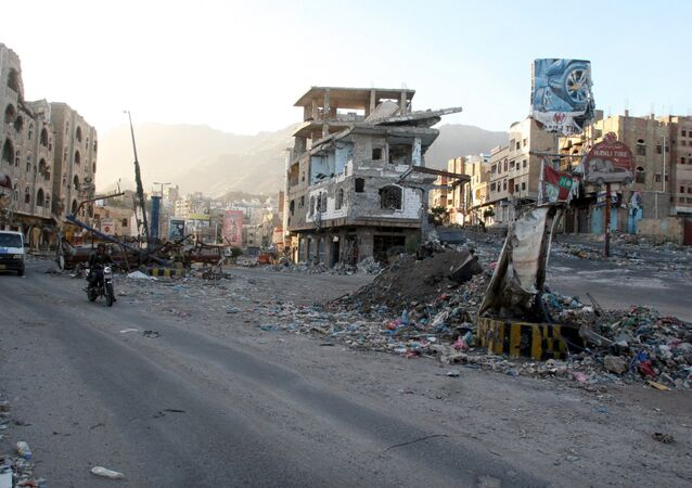 A view of buildings destroyed during recent fighting in Yemen's southwestern city of Taiz March 14, 2016.
