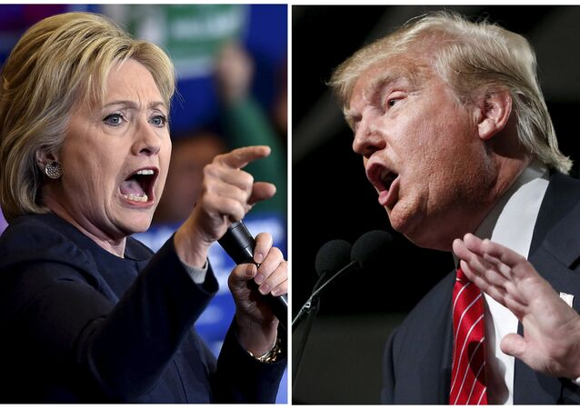 Democratic presidential candidate Hillary Clinton (L) and Republican presidential candidate Donald Trump (File)
