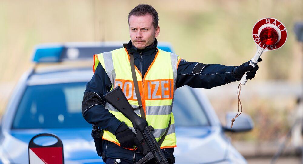 German police control cars (File)