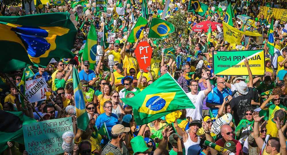 Demonstrators take part in a protest demanding the resignation of Brazilian President Dilma Rousseff, on March 13, 2016 in Porto Alegre, southern Brazil