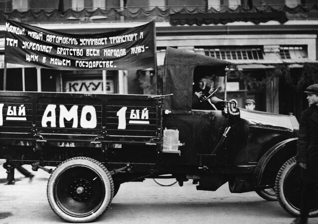 The first Soviet AMO-F-15 truck, made in 1924. A reproduction